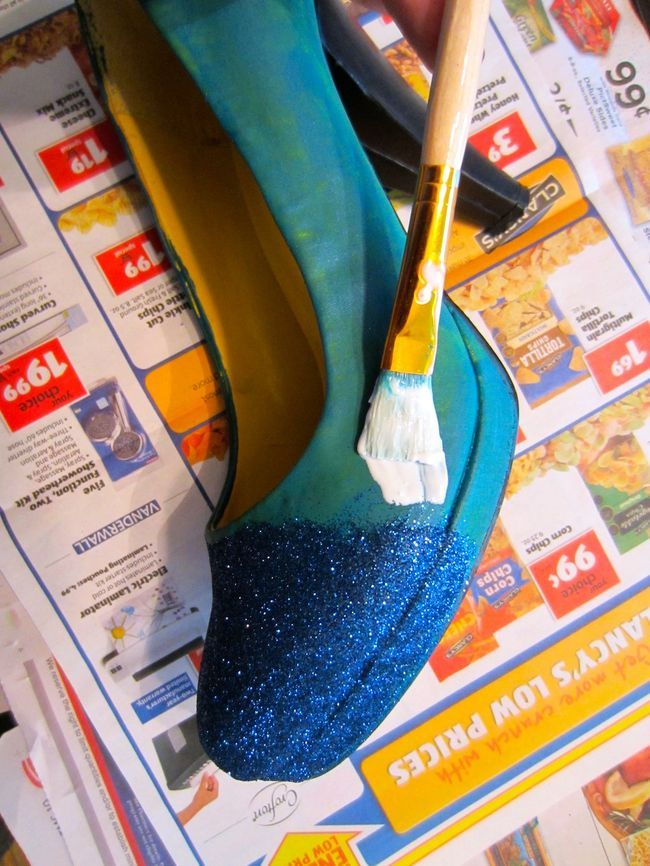 great step by step glitter shoes diy