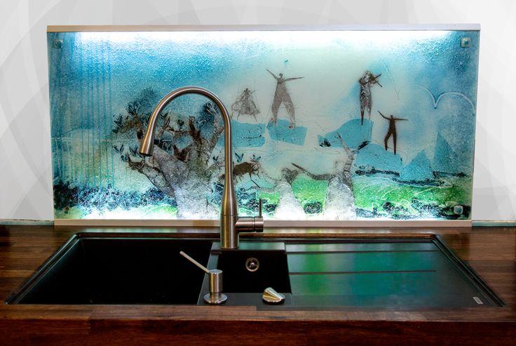 Unique and exclusive splash plate made by glass artist Branka Lugonja