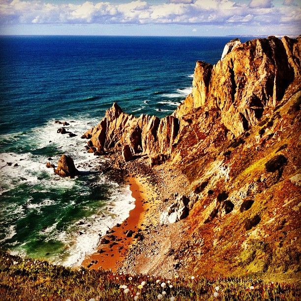 a few minutes drive to the west of Lisbon lies the western most point of mainland Europe . This point is called Cabo da Roca and it boasts fabulous views of the coast of Portugal.  //Cabo da Roca in Sintra, Lisboa