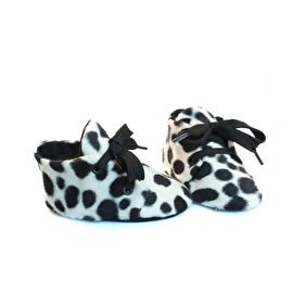 Dalmatiër babyschoentje zwart wit - Studio LL - handmade babyshoe dalmatien black and white