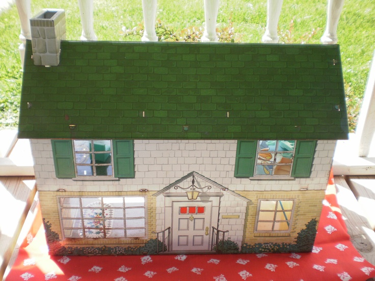 Vintage Toy 1960s Marx Tin Dollhouse 3500 Via Etsy The Front Of