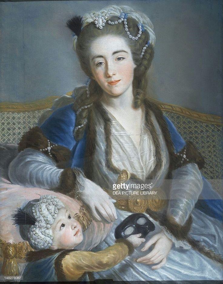 Portrait d'une femme avec son enfant en costumes turques, avec un masque, artiste autrichien inconnu du XVIIIe siècle