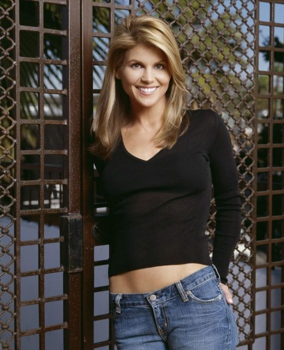 15 best lori loughlin images on pinterest lori loughlin for Beauty full house