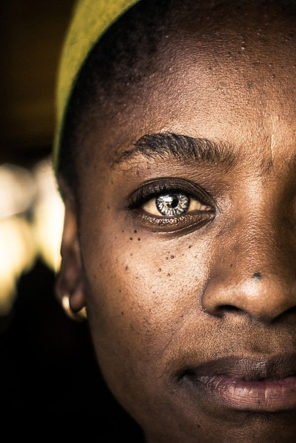A portrait of Elisabeth Malgas at a local market in Soweto, Johannesburg.