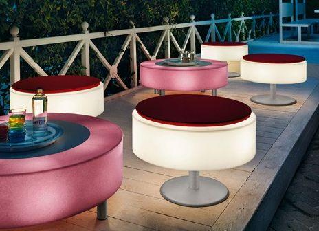 Muebles de exterior con luz propia