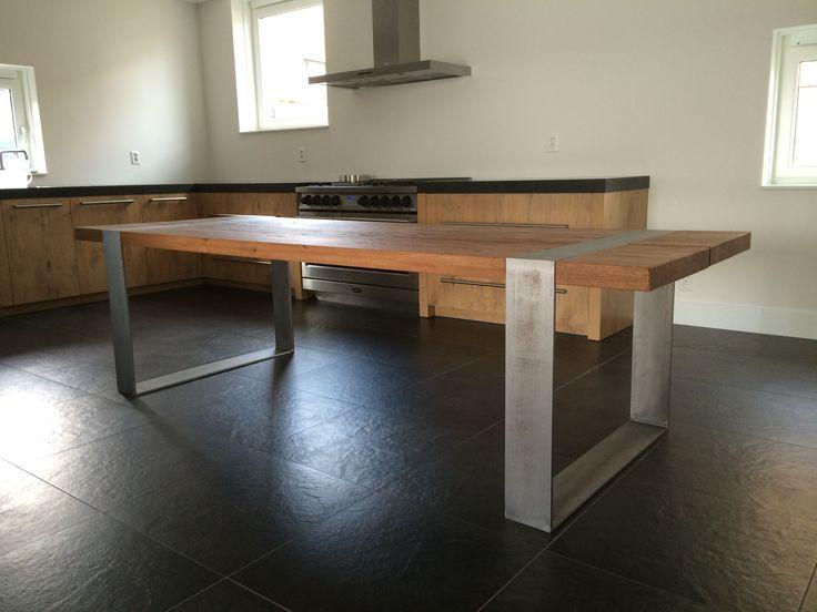 ICCOON Bunk tafel  Formaat 280x100 cm.  In Balsamico eiken. www.iccoon.nl