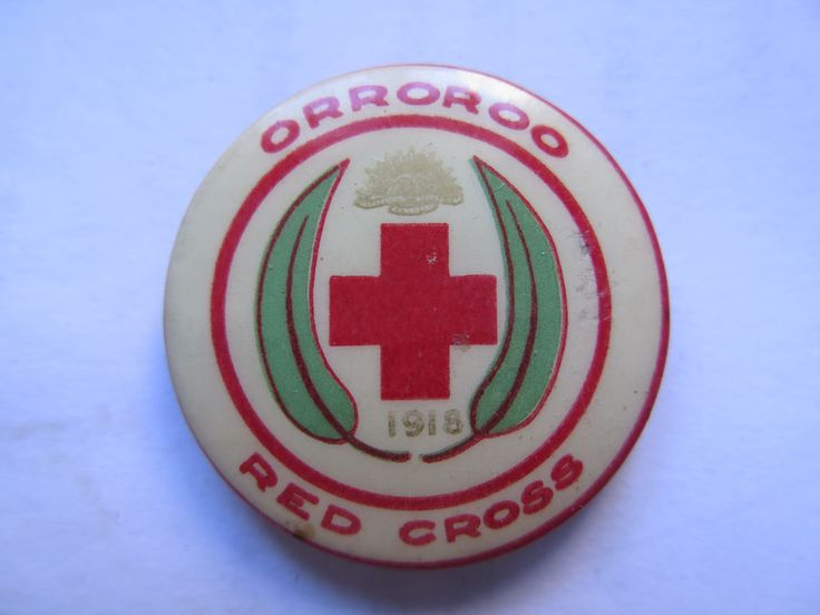 WORLD WAR I TINNIE BADGE ORROROO RED CROSS SOUTH AUST 1918 RISING SUN GUM LEAVES