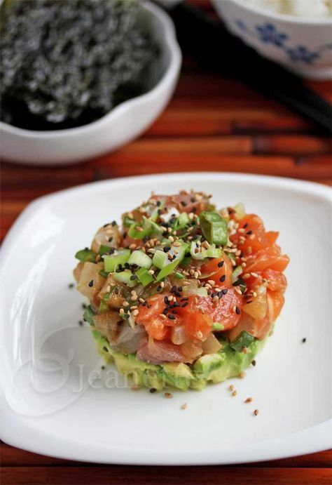 Mixed Fish and Avocado Poke Tower © @Jeanette   Jeanette's Healthy Living #sushi #fish #avocado