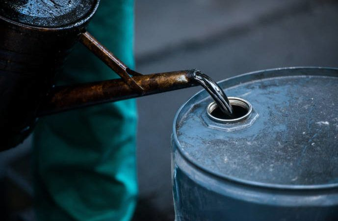 World Bank expects oil prices to hit $60 per barrel in… http://abdulkuku.blogspot.co.uk/2017/05/world-bank-expects-oil-prices-to-hit-60.html