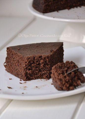 Que os parece un bizcocho de chocolate para la dieta, seguro que genial!! Aquí os dejo la receta para daros ese caprichoso y lo mejor qu...