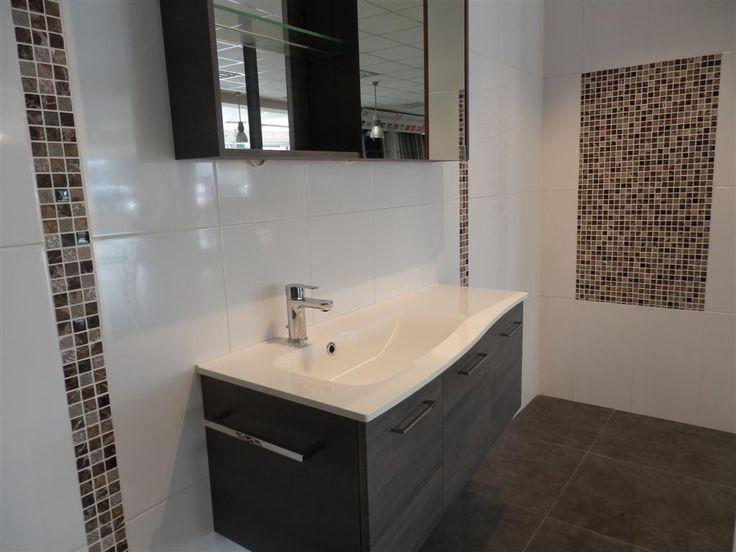 Listel vertical  Déco salle de bains  Pinterest
