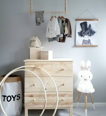 Love this DIY for additional wardrobe.