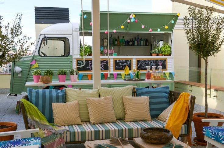 The mint root, terraza en Gran Vía con food truck