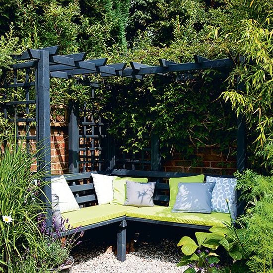 Garden corner with dual-purpose seating