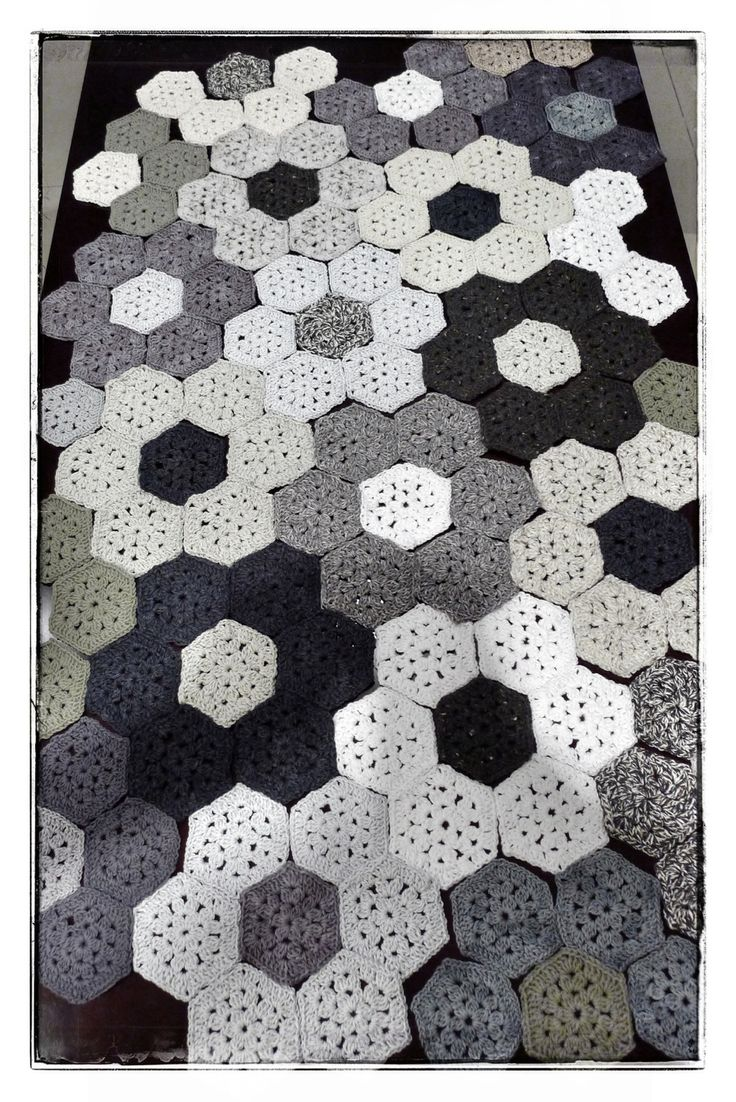 692 best crochet hexagons images on pinterest colors pigtails ideas for assembling hexagon throw crochet bankloansurffo Image collections