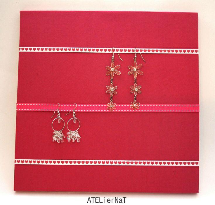 Porte bijoux boucles d 39 oreilles fushia rangement d co - Porte boucle d oreille mural ...