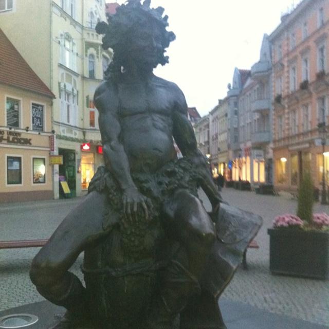 Zielona Gora -Big bakhus statue