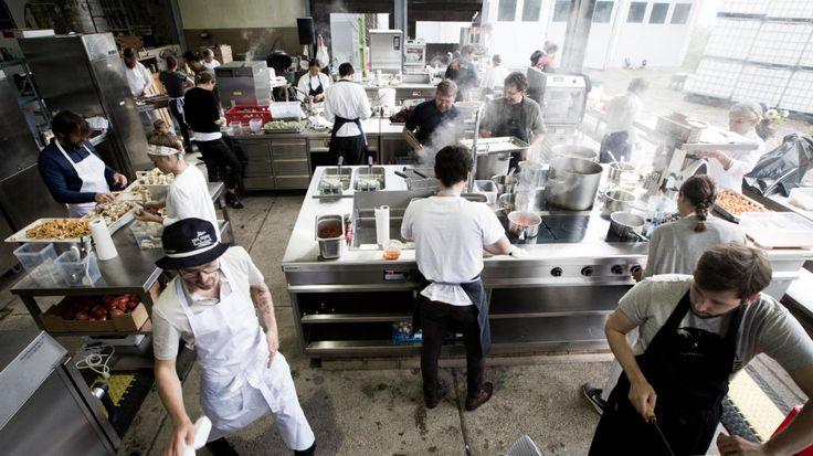 Eine Auswahl der weltbesten Köche kochte im Mühltalhof der Familie Rachinger in Neufelden auf. Darunter Ana Ros, aktuell die Nummer eins der Köchinnen-Rangliste. Im Interview spricht sie auch über die Rolle der Frauen in der Profiküche.