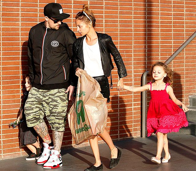 Joel Madden and Nicole Richie went toy shopping with their kids Sparrow and Harlow