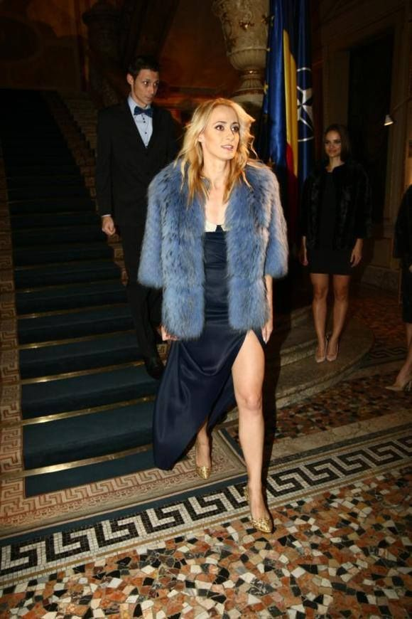 Stunning Camelia Potec in a Paisi blue fur coat #LOVESTORIES #fur