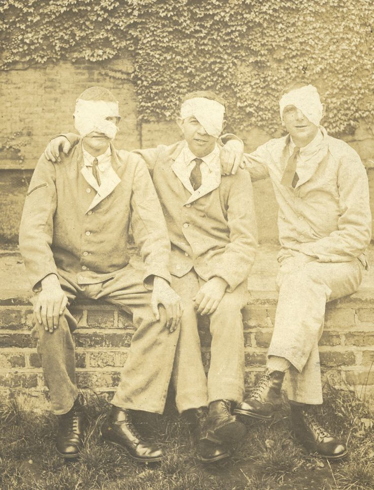 A group of World War One veterans posing  #blindveteransuk #blind #veterans #worldwarone #ww1