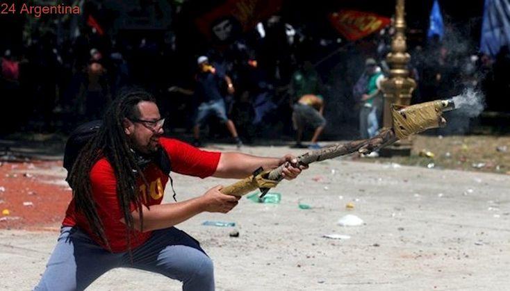 Rechazan eximir de prisión al militante del mortero casero por los incidentes en Congreso