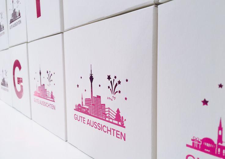 Visual & Verpackungsdesign für Firmen-Event Gute Aussichten für 2017, Heißfolienprägung, Prägedruck, Magenta, Menükarte, Verpackungsdesign, Geschenk, Klappkarte, Gestaltung, Design, B2B