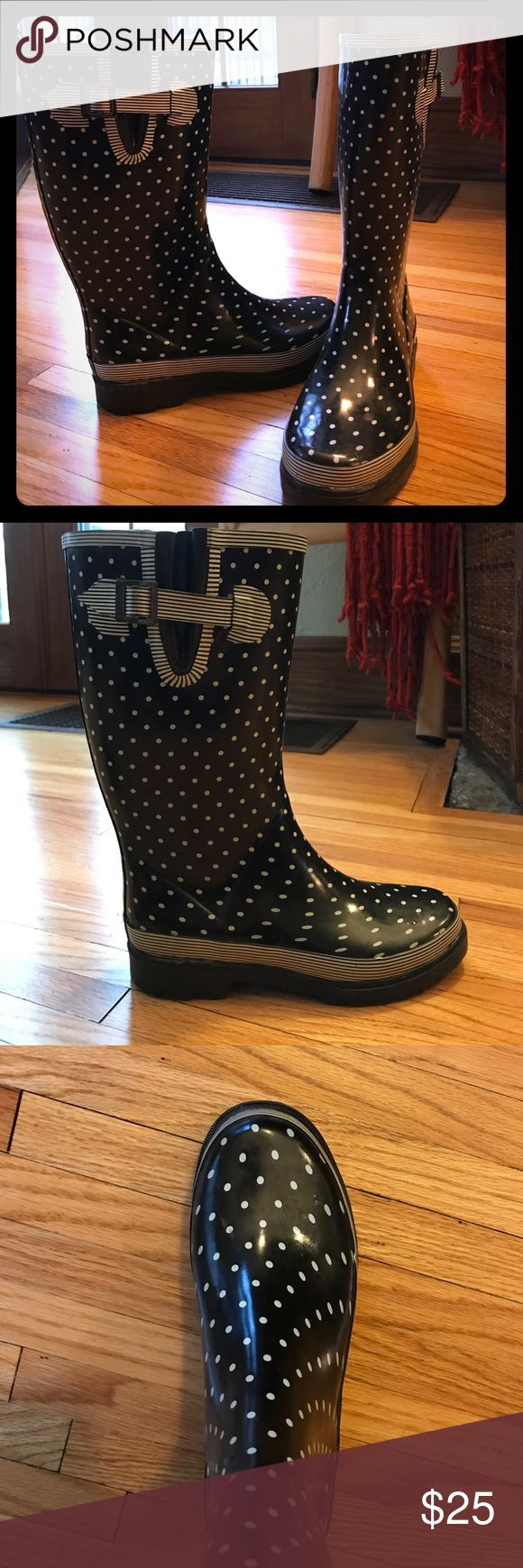 Chooka Signature Polka Dot Rain Boots Stylish rain boots in great condition. Haven't been worn many times because my feet are wide; a narrow foot would fit better. Chooka Shoes Winter & Rain Boots