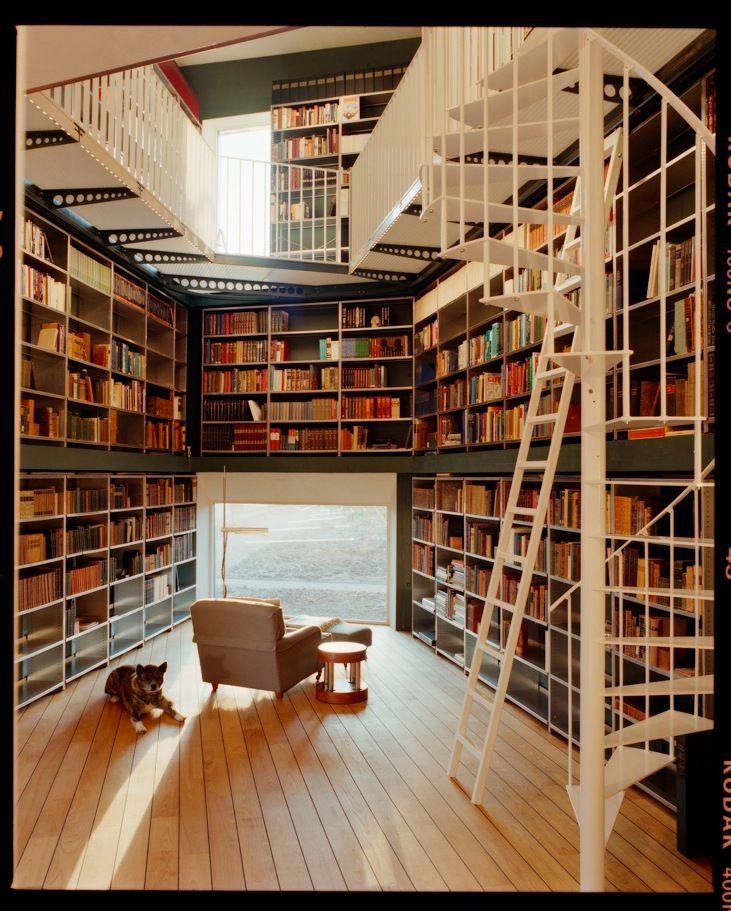 I wish I had this many books