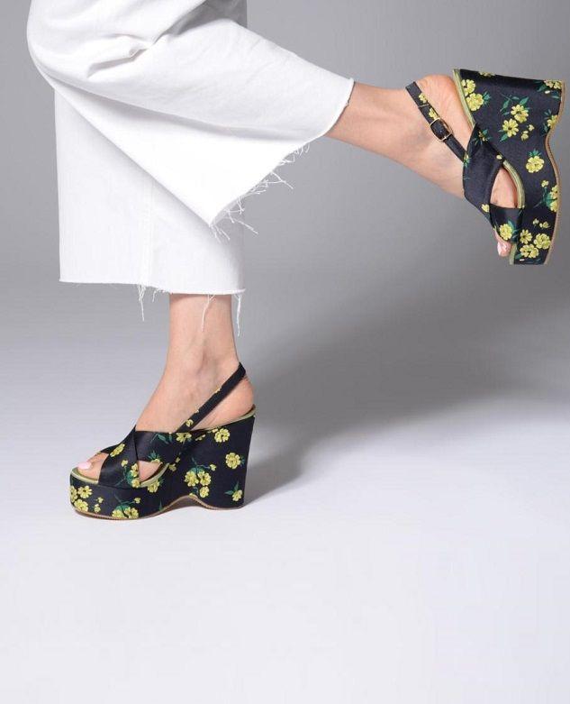 4c152d2c746 Sandales ESSENTIEL ANTWERP, 125 euros sur sarenza.com #fleurs #flowers # shoes