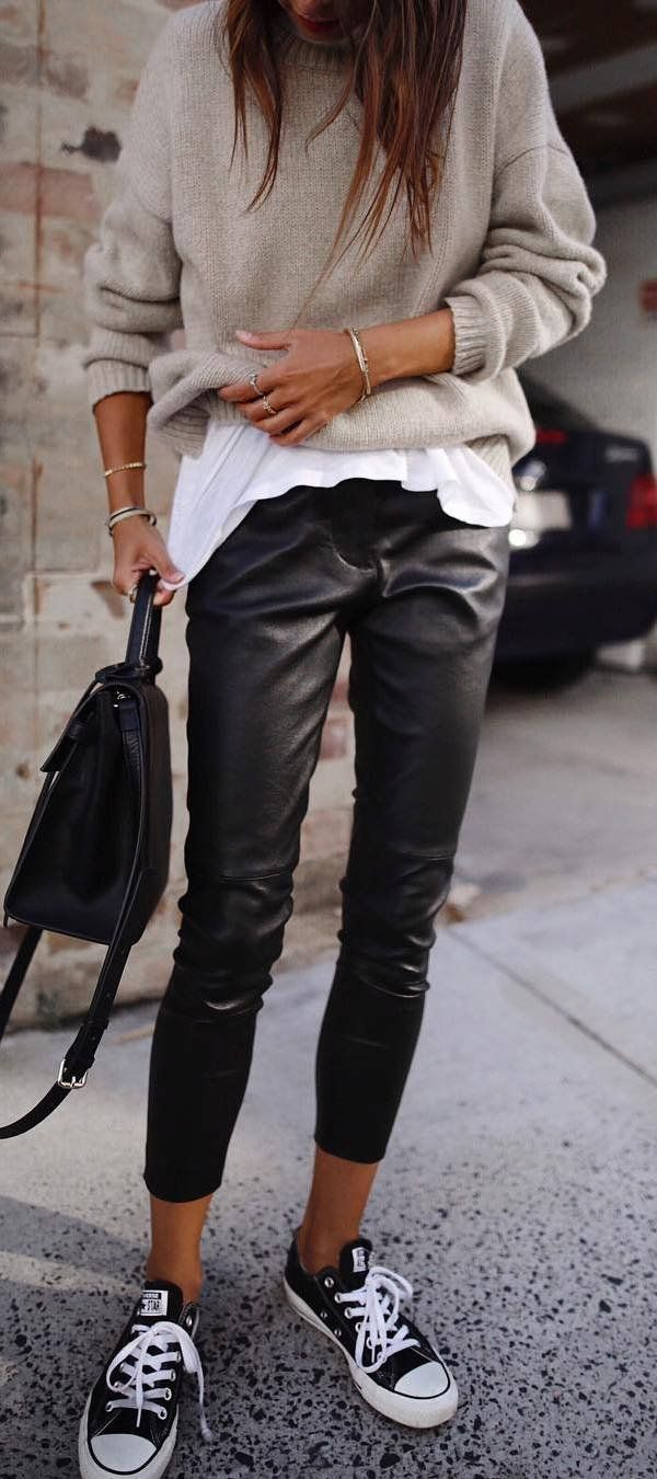 cool outfit idea : sweater + tee + bag + leather skinnies + converse