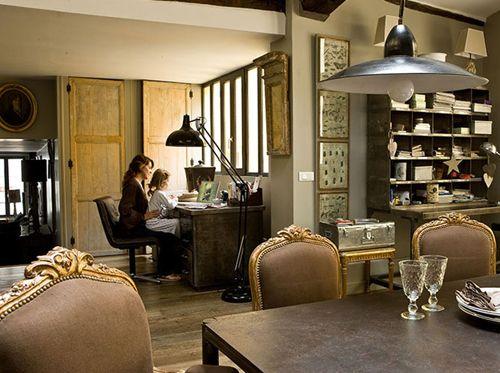 Un mix de style dans un loft: industriel et romantique