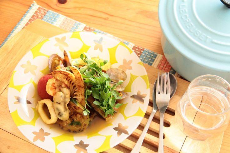 プロのスープカレーをご家庭で作ってみませんか?素材本来の味を楽しむなら、サラッとしたスープカレーがおすすめです。色んな素材を使って、シーフードの旨味を引き出しましょう。特製のコクのあるルー、たっぷりの野菜と魚介がベストマッチ。野菜の栄養もたっぷりと取れるのもうれしいですよ。