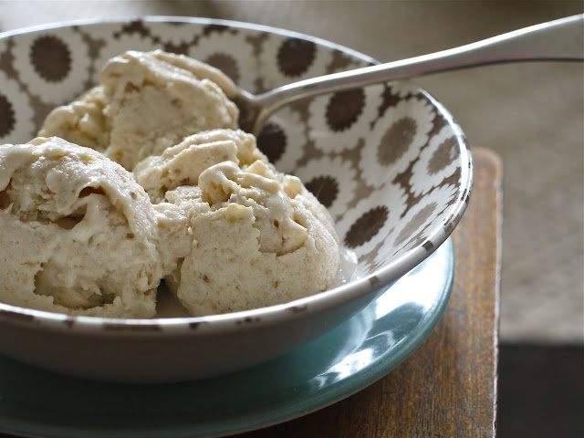 Fejoa Ice Cream! We have  to make this soon while we still have fejoas!!