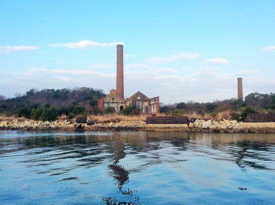 犬島は船から見える景色も美しい。犬島観光のおすすめ