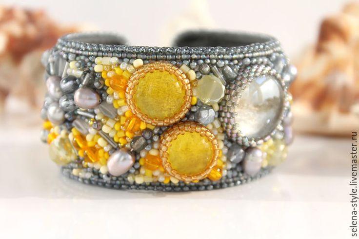 Купить Браслет «Солнечные блики на мокром песке» - браслет, украшение на руку, браслет из бисера