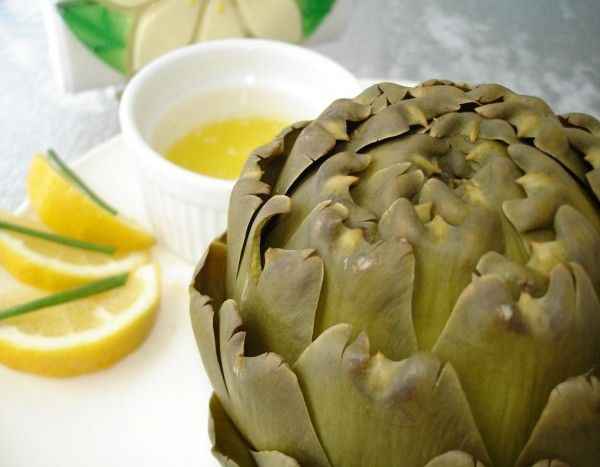 Steamed Artichoke recipe- Hhhmmm I'll have to try this. Artichokes are ...