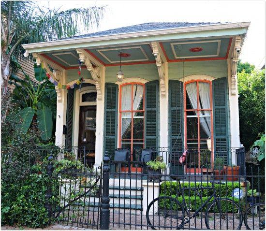 New Orleans Cottage in Lower Garden District