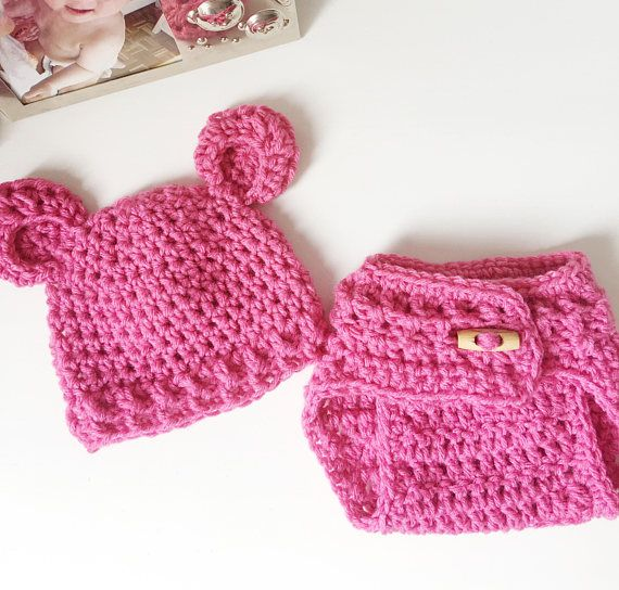 Love this set! #pink #crochet #diaper cover and #beanie #outfit. Lovely idea as a #coming #home outfit or #babyshower #gift