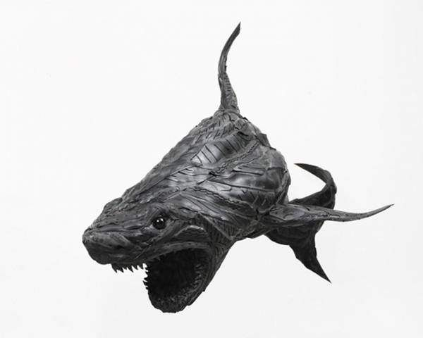 Recycled tires form artRecycle Tires, Tires Sculpture, Yongho, Art, Ho Ji, Recycled Tires, Yong Ho, Animal Sculpture, Sharks Sculpture