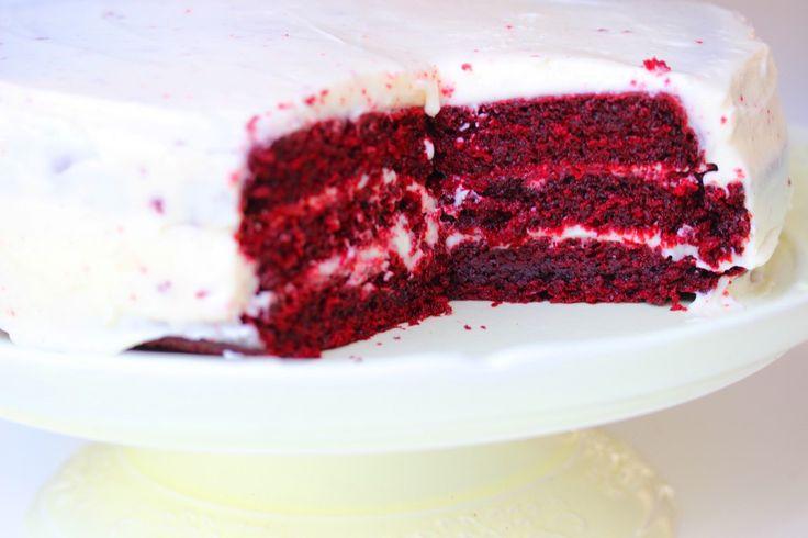 רותם ליברזון | עוגת קטיפה אדומה – רטרו של סקסיות אמריקאית.