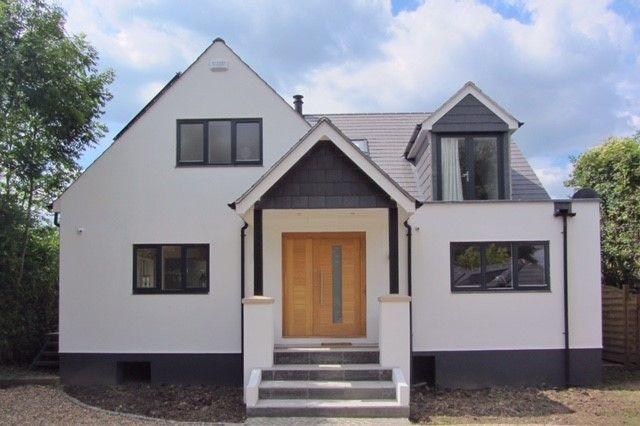 Property in Chertsey with Lovely Aluminium Windows in Anthracite Grey #aluminium #aluminiumwindows #anthracitegrey #exterior #exteriordesign #homeideas #chertsey