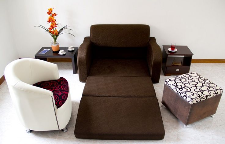 Sofa Cama Suizo de 1,30 * 0,80, este estilo puede ir en la sala acompañado de sillas o puf, con mesa de centro, se puede jugar con los colores - Silla deco $ 459.000