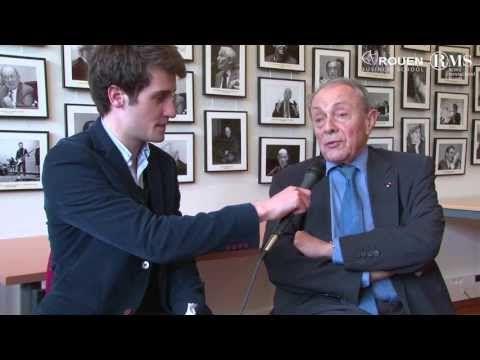 """2013-05 : Interview de Michel Rocard par les étudiants de l'association """"Débat et vous""""."""
