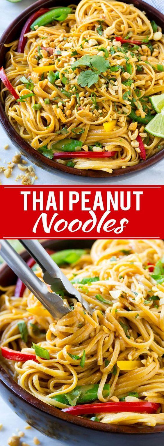 8. Thaise noedels met groenten en pindasaus