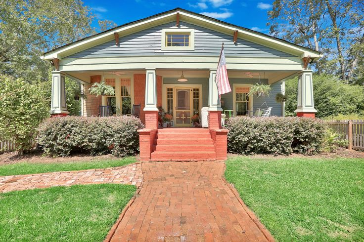 Historic+Craftsman+bungalow+in+prime+downtown+Senoia+location!+No+detail+spared.+Beautiful+open+kitchen+with+separate+dining.+Gorgeous+heart+pine+floors.+All+new+electrical,+roof,+plumbing,+light+fixtures,+paved+driveway,+hot+water+heater,+HVAC+with+air+filtration+system,+master+bathroom,+and+all+new+cabinets+and+appliances.+Large+2+car+garage+with+it's+own+electrical+panel,+attic+and+attached+carport.+Cedar+fenced+yard.+700+sq.+ft.+deck+with+built+in+bench.+Features+original+tongue+an...