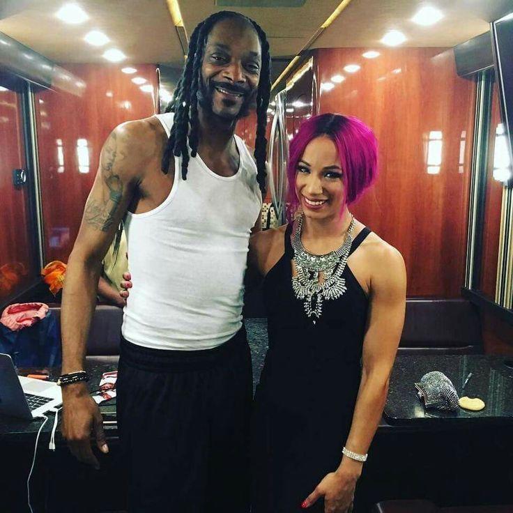 Snoop Dogg & Sasha Banks backstage at The Hall Of Fame