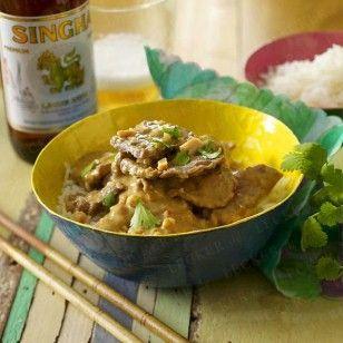 Das Rezept für Kang-Mas-Sa-man-Nua (Rotes Rindfleisch-Curry mit Erdnussen) und weitere kostenlose Rezepte auf LECKER.de