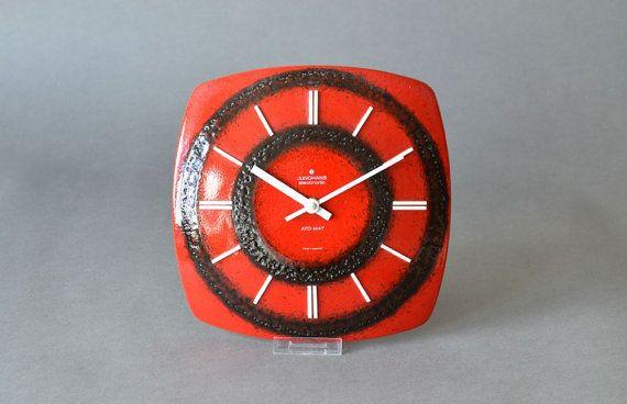 Vintage Wanduhr rot schwarz Junghans Uhr von MightyVintage auf Etsy, €89.00