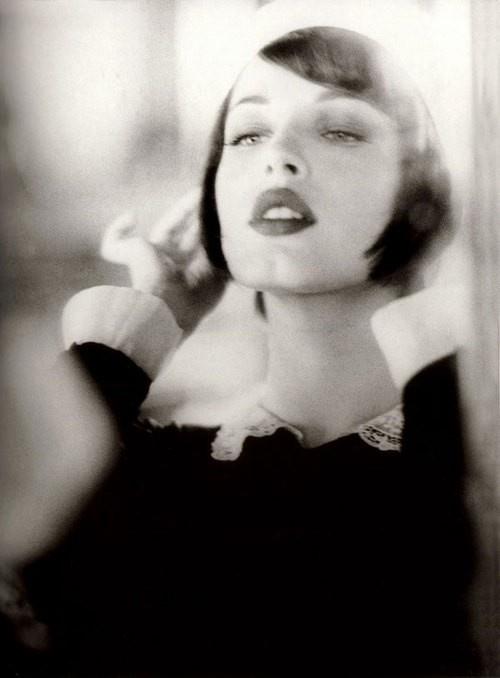 classic: Mirror Mirror, Bobs, Vintage Women, Be A Women, French Girls, Ellenvonunwerth, Dark Lips, Vintage Beautiful, Ellen Von Unwerth